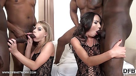 Double Anal Double Penetration Group fuck 4 black men fuck 2 white girls
